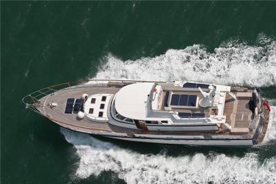 Luxury_motor_yacht